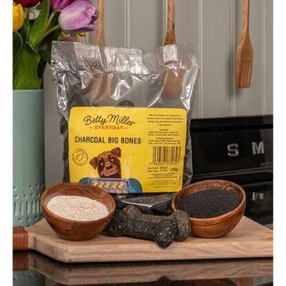 060525770623 Betty Miller Charcoal Big Bones 500g Biscuit Treats